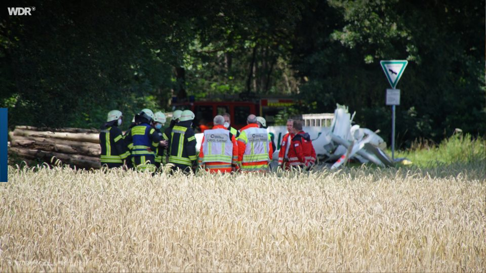 Најмалку двајца пилоти загинаа при судир на два мали авиони во Германија
