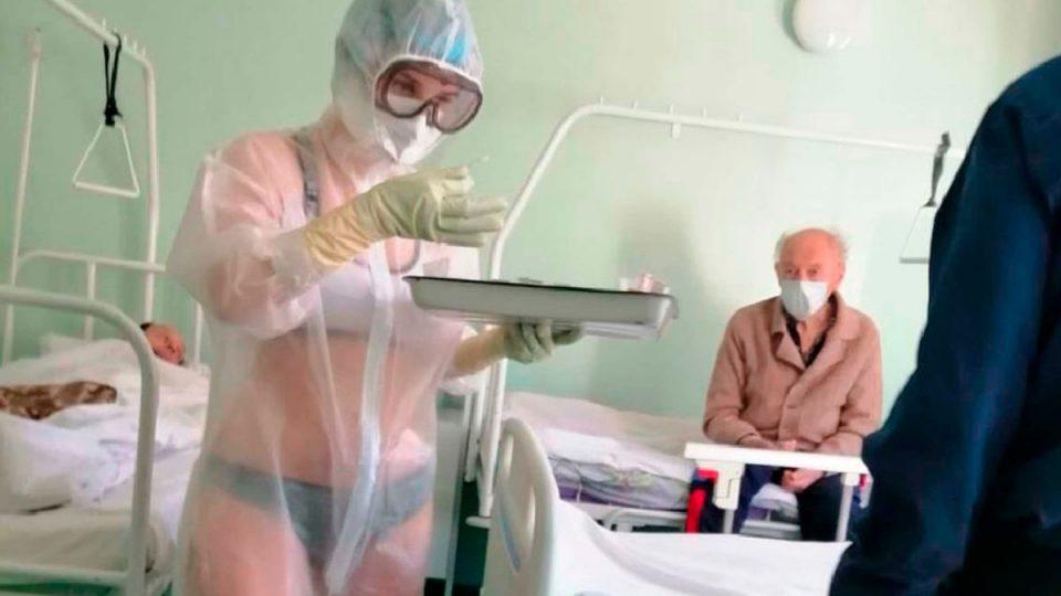 Руската медицинска сестра што лекуваше пациенти во долна облека стана метео-девојка