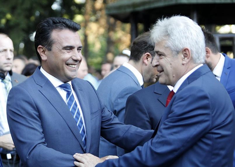 СДСМ во очајничка битка за враќање на албански гласови