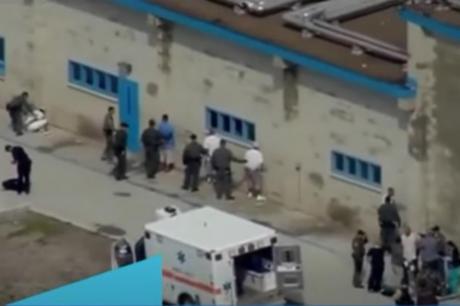 (ВИДЕО) Хаос во затворот во Сан Диего: Затворениците ги нападнале стражарите