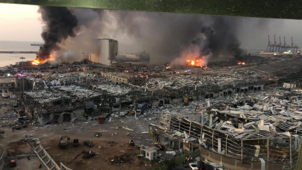 (ВИДЕО) Општа паника и ужасна глетка во Бејрут