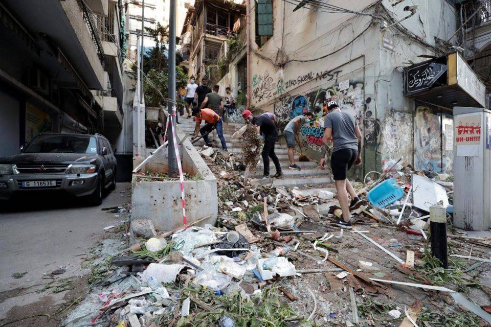 Двонеделна вонредна состојба во Бејрут поради експлозијата во пристаништето