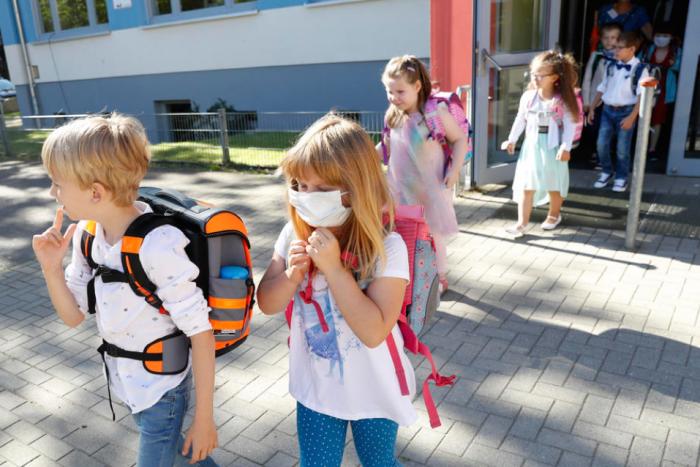 Во Црна Гора децата ќе тргнат на училиште и во градинка од 1. октомври
