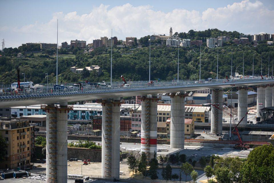 Во Џенова отворен мост две години по трагедијата во која загинаа 43 лица
