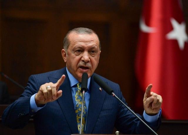Зетот на Ердоган си поднесе оставка