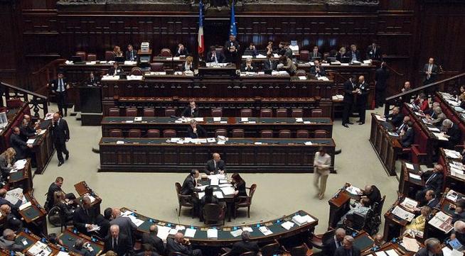 Скандал во Италија: И политичари земале пари од помошта за корона кризата