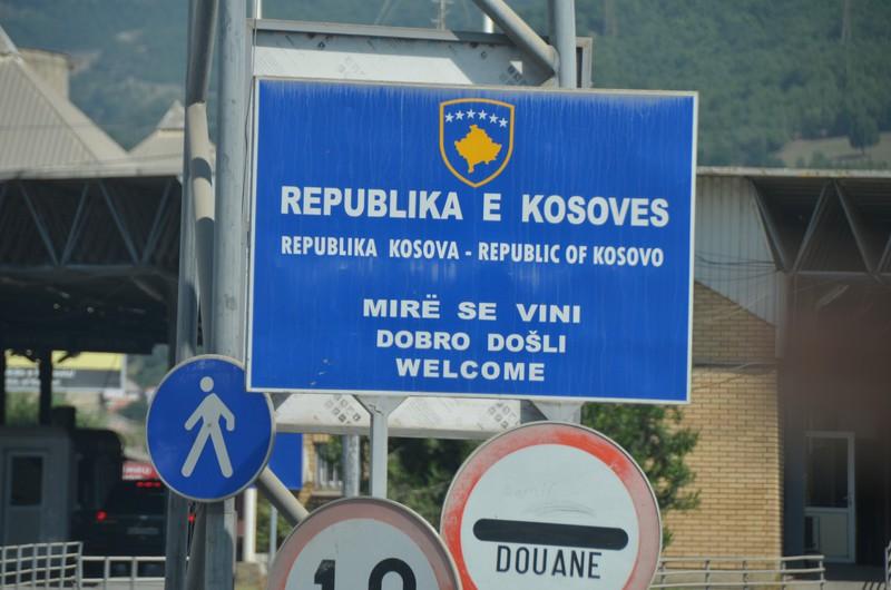 Косово размислува за повторно затворање на границите