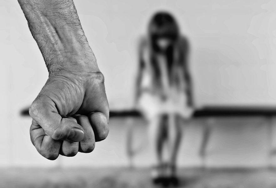 Драма во Скопје: Мајка го пријавила тетинот, се обидел да ги обљуби нејзините две ќерки
