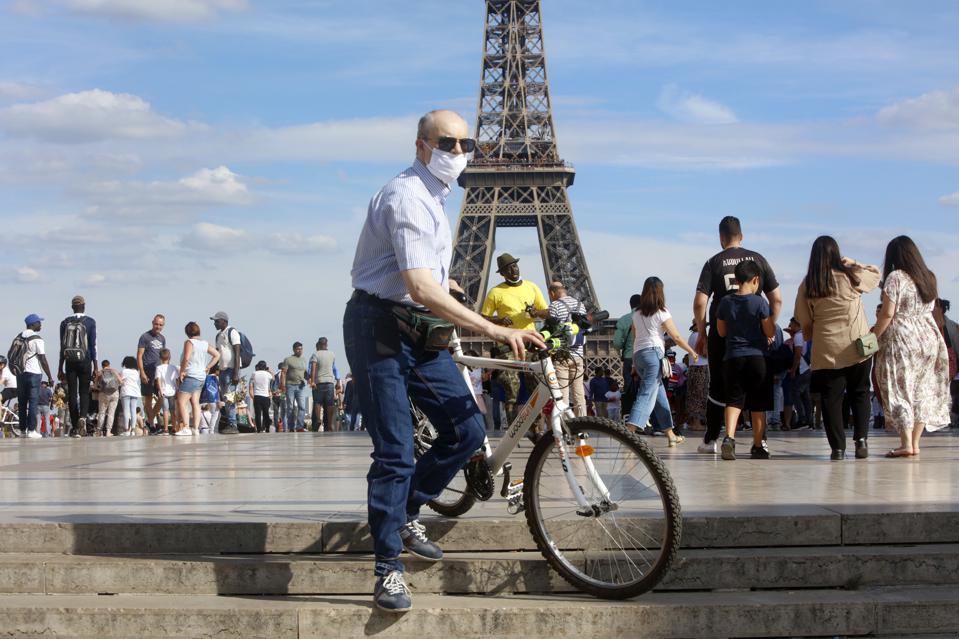 Францускиот туризам со загуби до 40 милијарди евра поради Ковид-19