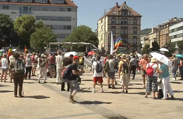 (ВИДЕО) Протест во Германија против мерките за борба против Ковид-19