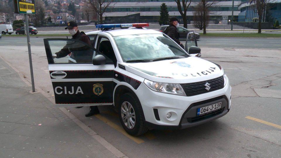 Во Сараево уапсени полицајци оти примале мито