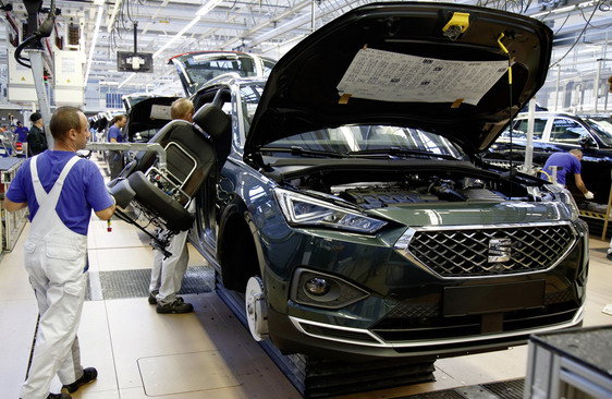 Автомобилската индустрија во ЕУ произведе 2,4 милиони помалку возила