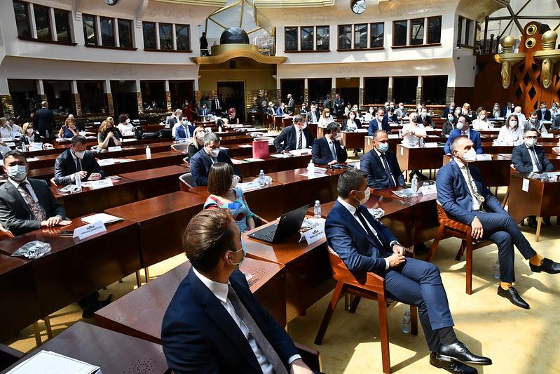 По вечерната пауза во Собранието ќе има гласање за избор на новата влада