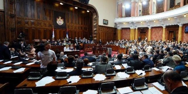 В понеделник конститутивната седница на српскиот Парламент