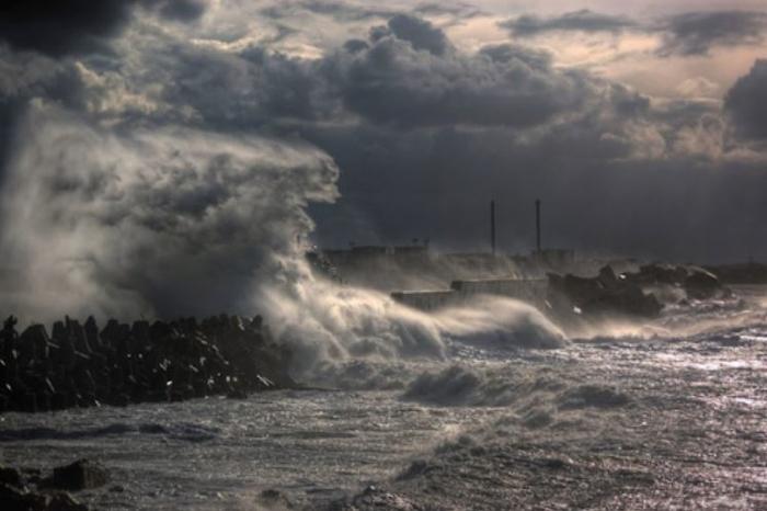 Три лица починаа, 11 се исчезнати во поплавите на црноморското крајбрежје на Турција