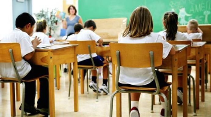 Физичко пристуство за учениците од погорните одделенија во ноември, ако е стабилна ситуацијата