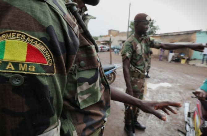 Воен удар во Мали: Претседателот Ибрахим Кеита поднесе оставка