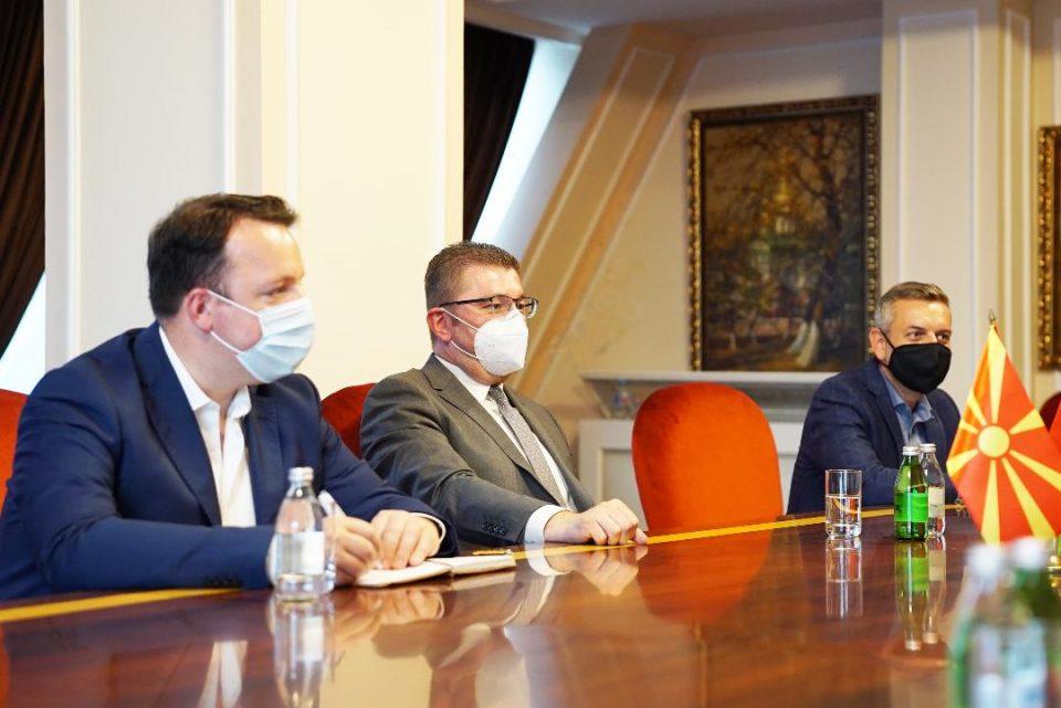Николоски: Секогаш кога на ВМРО-ДПМНЕ и на Македонија им е тешко тука се да помогнат Фондацијата Конрад Аденауер од Германија