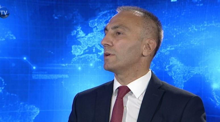 Груби: Ќе субвенционираме приватни компании кои ќе вработуваат Албанци