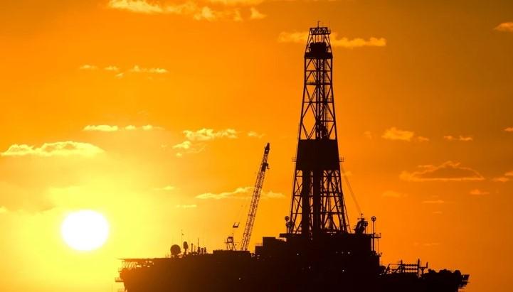 Огромен пад на цената на нафтата: Повторно страв од бавно економско закрепнување
