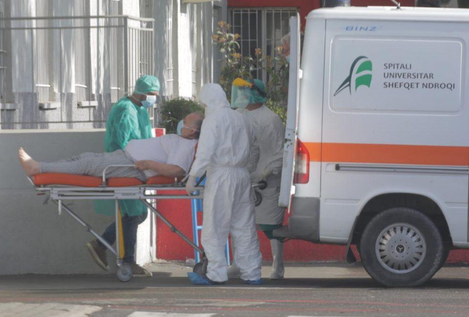Албански епидемиолози велат дека состојбата со Ковид-19 е вон контрола