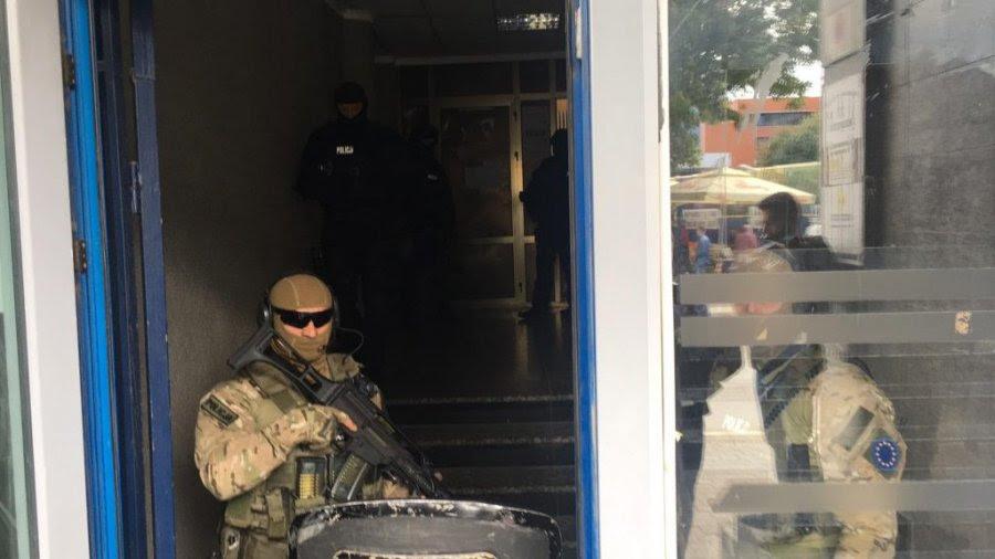 Упад на Еулекс во канцелариите на ветераните на ОВК: Најавени нови апсења