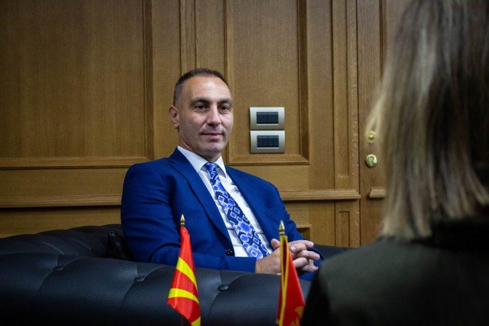 Битиќи го презема кабинетот на Груби, Рашковски и понатаму ќе дели кабинет со министри без ресор