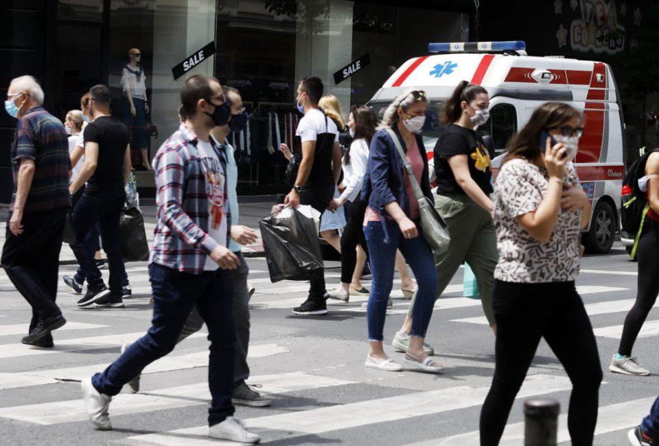 Казнети 745 лица за неносење наска
