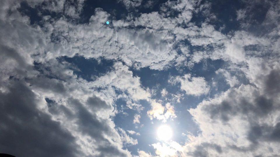 Сончево и топло преку ден, утринските температури ниски