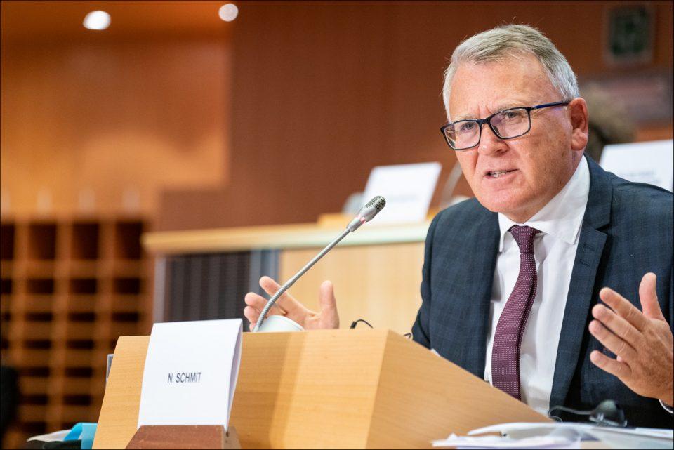 ЕК: Кризата од Ковид-19 ги загрозува социјалните придобивки во ЕУ