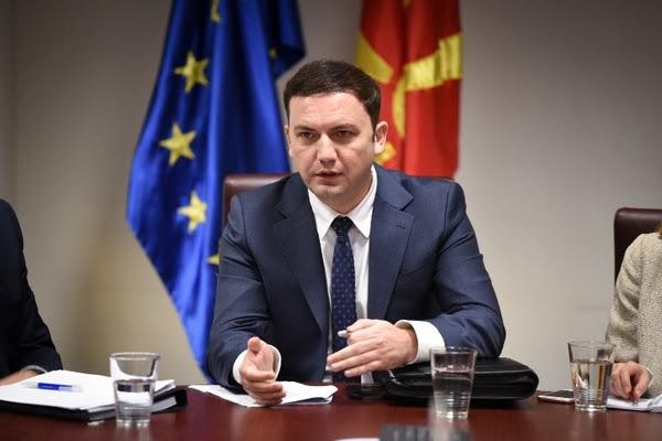Османи инсистира во Комисијата за историски прашања со Бугарија да има и Албанец
