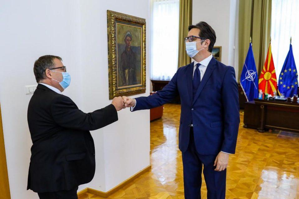 Проштална средба на претседателот Пендаровски со францускиот амбасадор Тимоние