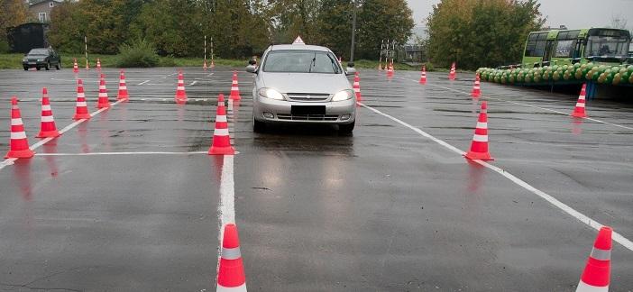 Кој ќе го земе бизнисот: Во Велес веќе еден месец нема Комисија за полагање возачки испити
