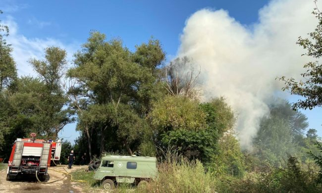 """Гори депонијата кај """"Борис Трајковски"""", на терен противпожарни екипи"""