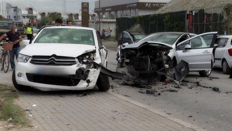 (ВИДЕО) Тешка сообраќајка на повеќе возила кај Злокуќани