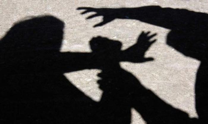 Приведени малолетници во Аеродром: Нападнале 16-годишник со остар предмет