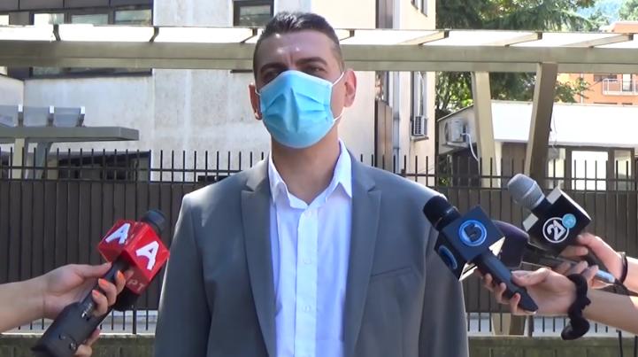 (ВИДЕО) Сузбиена криминална група за препродажба на кокаин, приведени пет лица од Арачиново и од Неготино