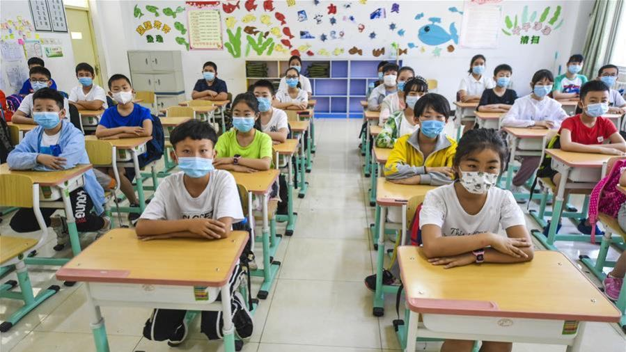 Отворени сите училишта и градинки во Вухан