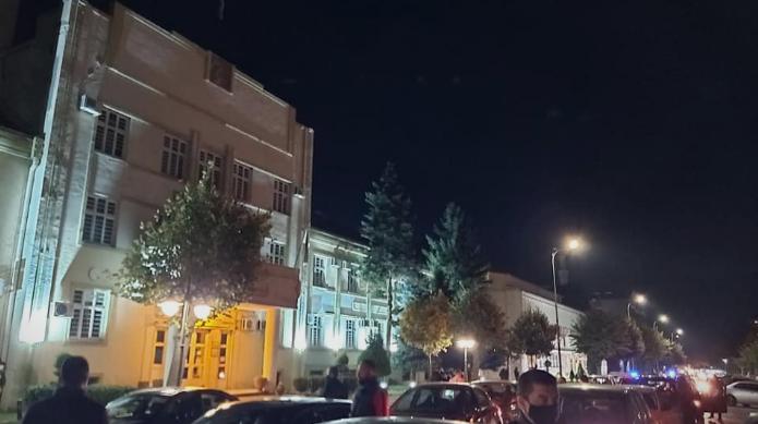 (ФОТО) Протести против загадениот воздух во Битола и во Куманово: Народот и порача на власта дека е време да си замине!