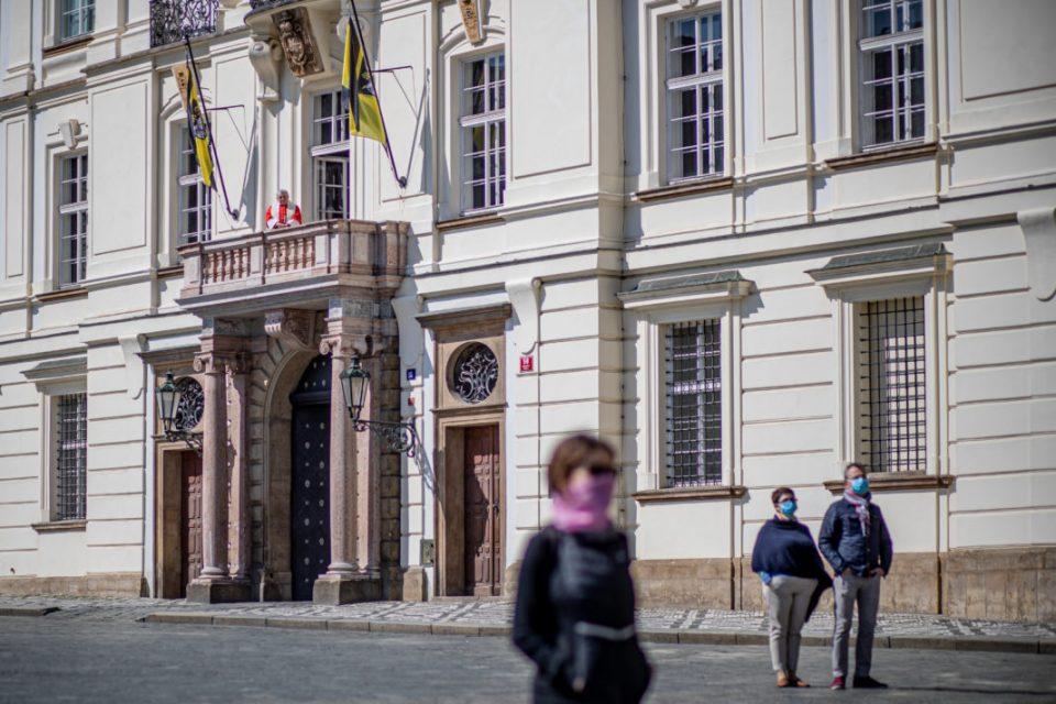 Чешка воведува порестриктивни мерки поради драстичното зголемување на бројот на новозаразени