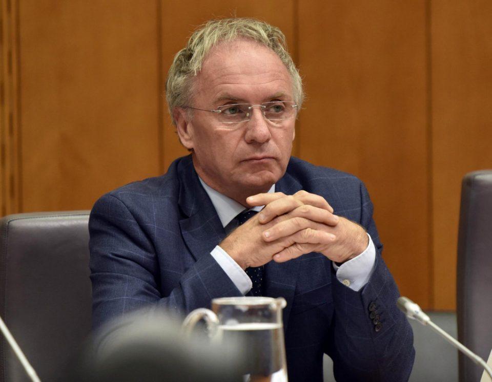 Словенечкиот министер за внатрешни работи во самоизолација