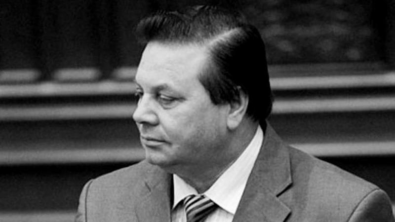 Почина Амди Бајрам
