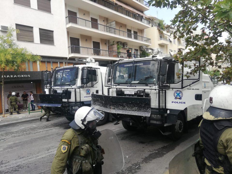 Инциденти на протестот пред судот во Атина