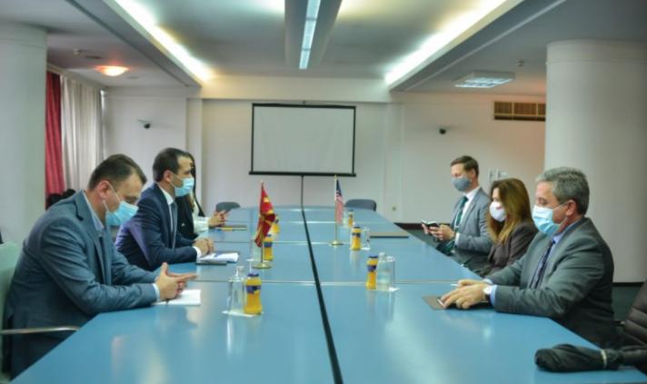 Бочварски и Брнз разговараа за важноста од нови странски инвестиции