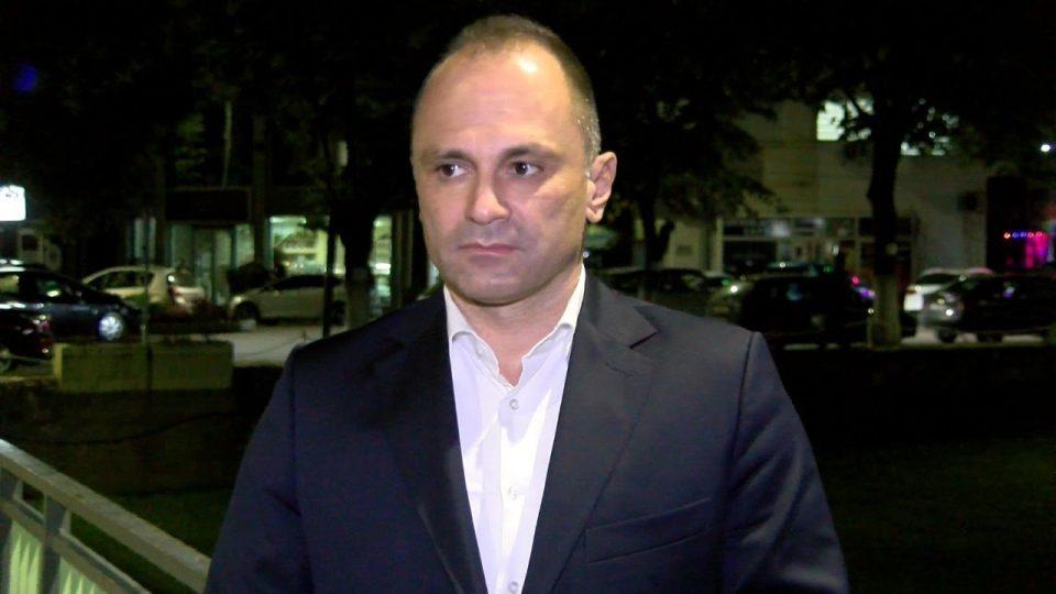 Наместо да го среди здравството, Филипче побрза да даде поддршка за пробугарскиот став на Заев