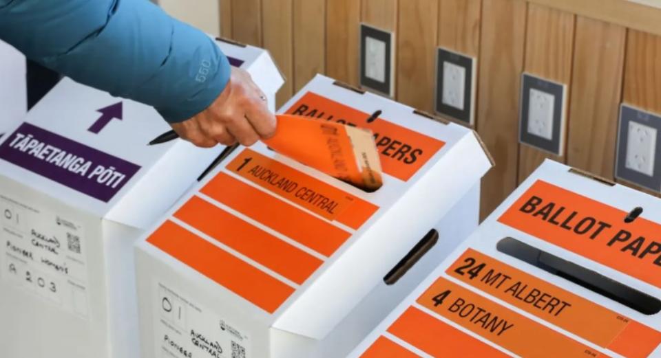 Парламентарни избори и референдум на Нов Зеланд