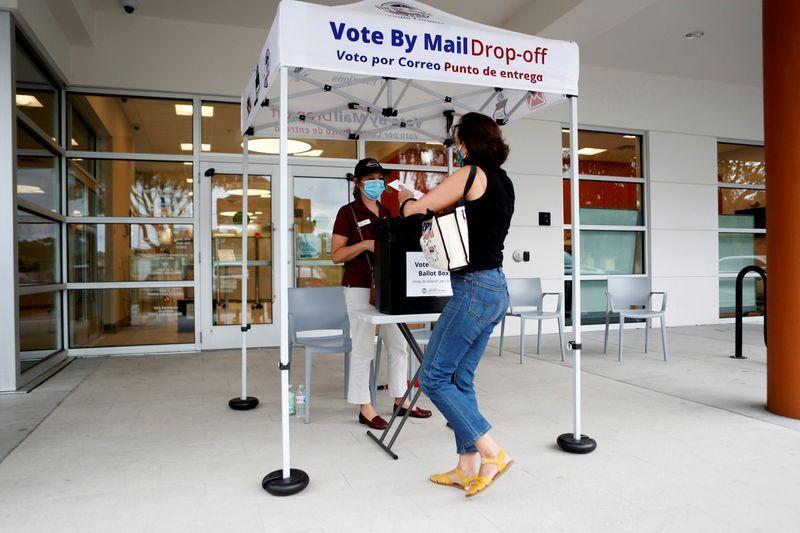 Повеќе од четири милиони Американци веќе гласале на претседателските избори