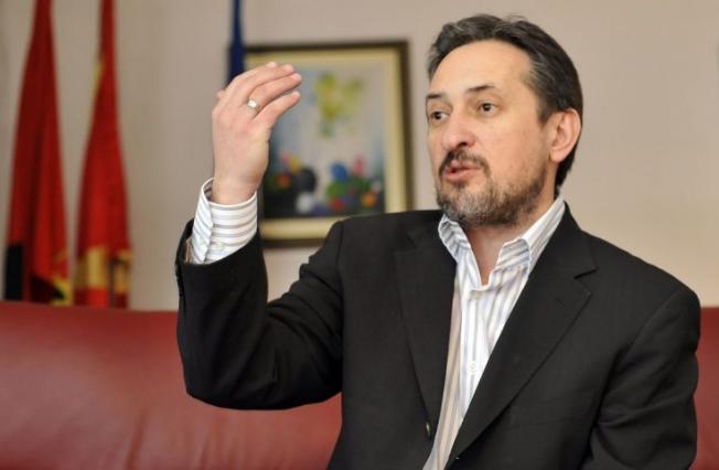 ВМРО-НП на Георгиевски против воведувањето јога во училиштата: Тоа е против религијата