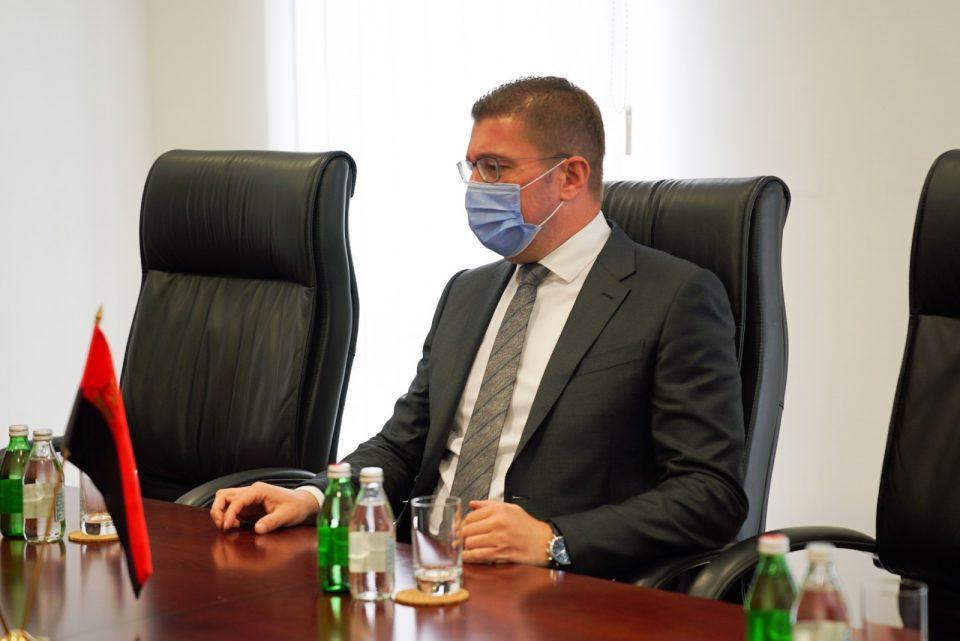 Мицкоски: Ако МЗ и Владата се реорганизираа ќе беа спасени повеќе животи, многу почесно е да си дадат оставка