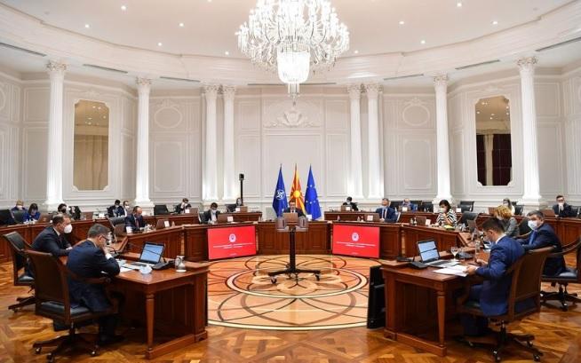 Владата одлучи: Од понеделник се укинува корона тестот за Србија, БиХ, Црна Гора и Косово